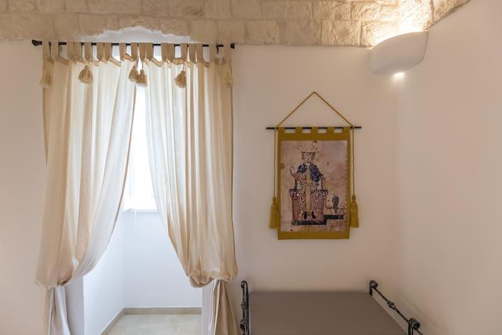 "DIMORA SAN QUIRICO - camera  ""FEDERICO II"""