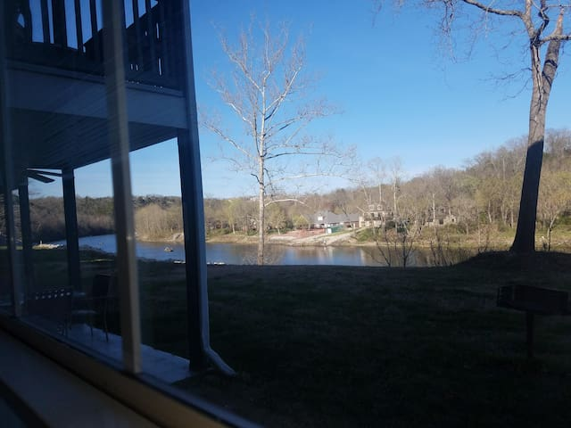 1 Bedroom Lake Front Condo With all the EXTRAS - Branson