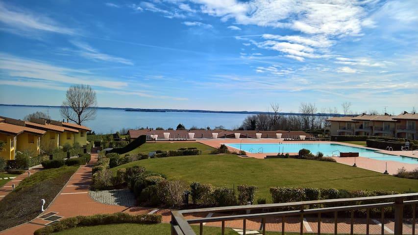 vista lago dal terrazzo
