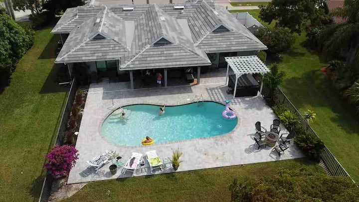 "HGTV's ""Vacation House for Free"" Marco Island Home"