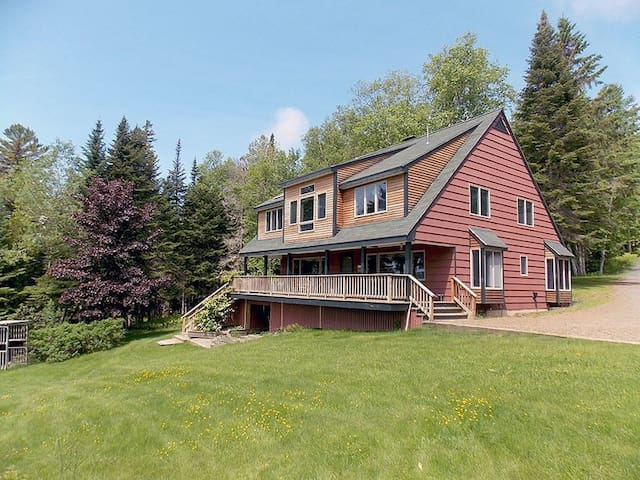 Erickson - Spacious and private home located on Rangeley Lake
