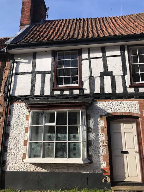 Charming Cottage in Little Walsingham