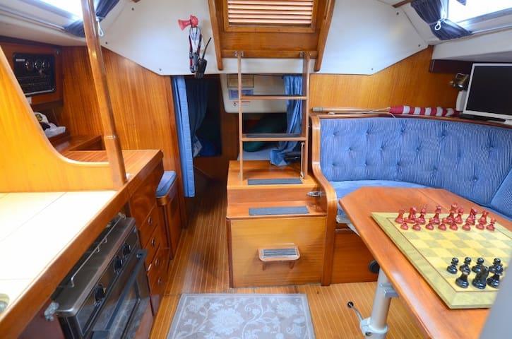 Sailboat on Lake Union - Seattle - Barco