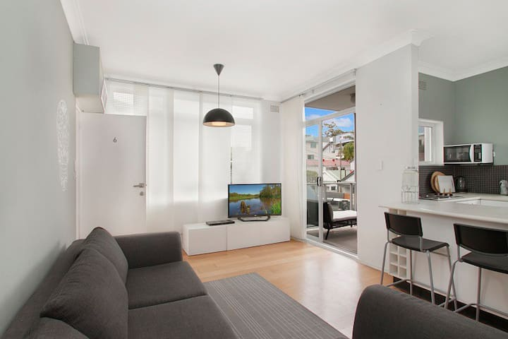 Spacious two bedroom flat on manly beach - Manly - Huoneisto