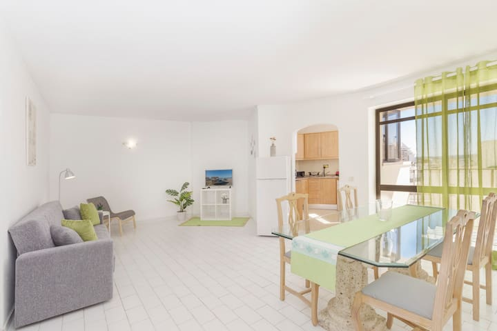 Cozy Apartment,20 meters from the beach.