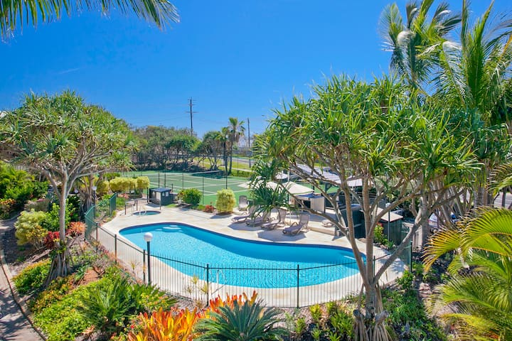 Beach Breakers Resort, family friendly resort