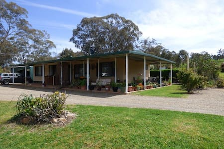 Bronte Park - Murringo - House