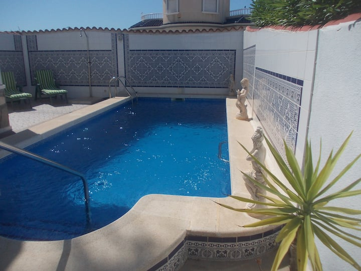 Spanish 3 Bedrooms with Villa Private Pool