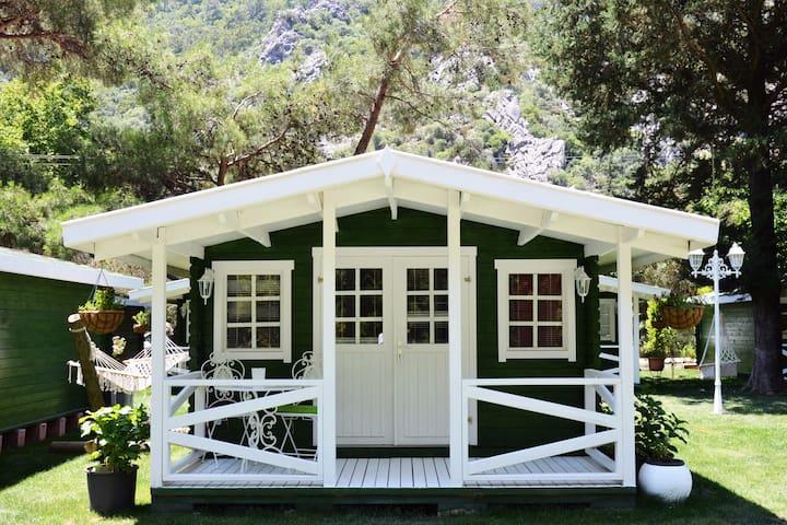 Lukkies Lodge Çıralı - Kemer - Domek parterowy