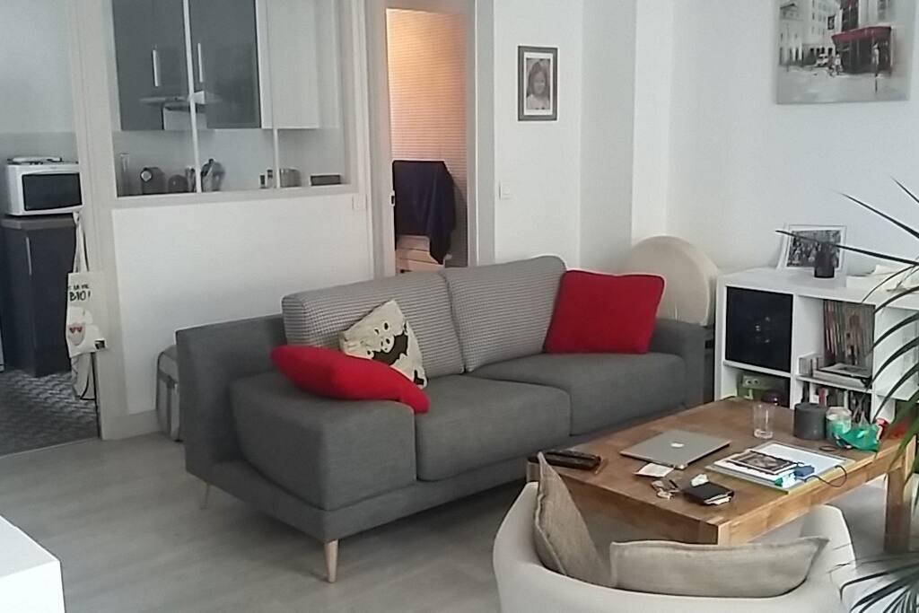 Séjour avec nouveau canapé ultra confortable !