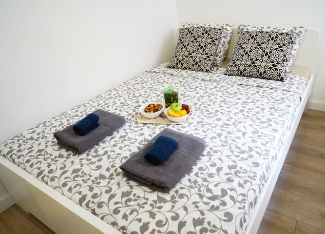 Beautiful Room for two in heart of Barcelona *****