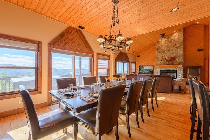 5br 7ba Luxury Mtn Cabin Huge Views Hot Tub Pool Table Theater Rm Skiing Cabins For Rent In Banner Elk North Carolina United States