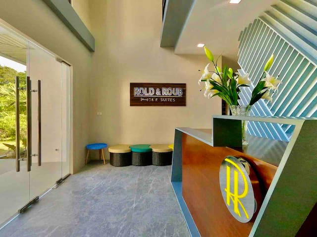 Rold & Roub Home Suites Premium Family Room
