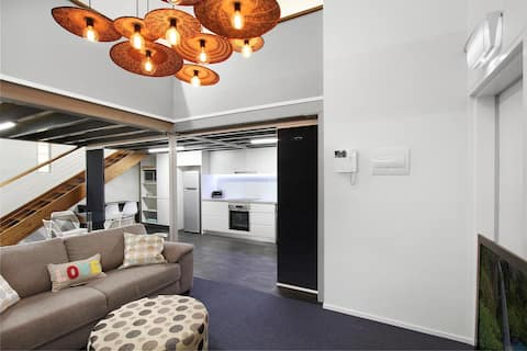 Cronulla CBD 3BR Apartment & Loft Minutes to Beach