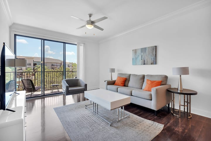 StayGia   Luxury 1 Bedroom Suite   Near Town Center