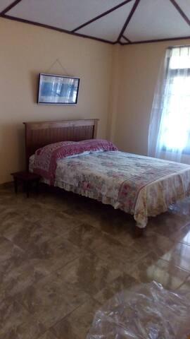 Muzanda Tourist inn - Peradeniya - Bed & Breakfast