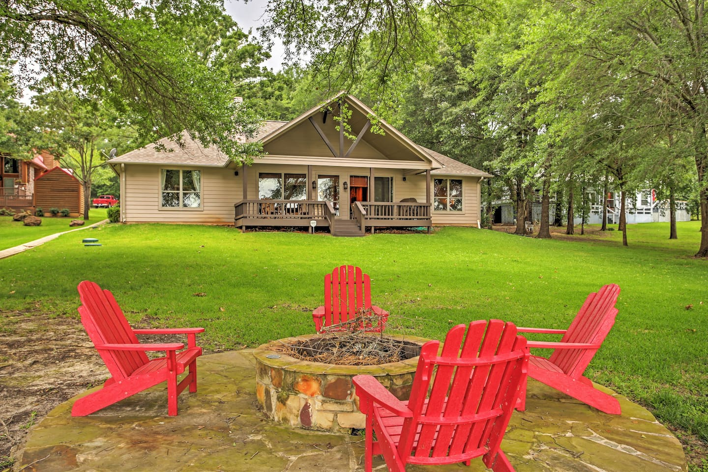 Have the perfect lake getaway at this Eustace vacation rental house!