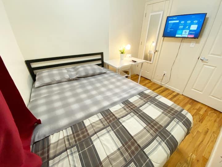 Private cozy room near LGA airport
