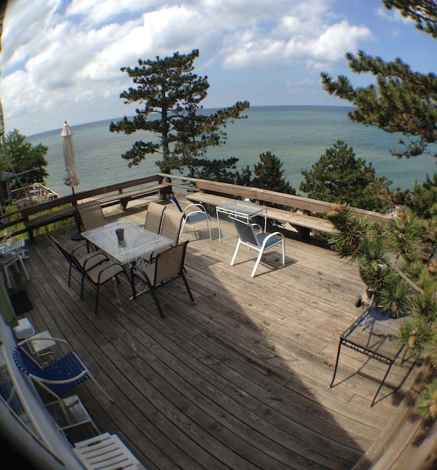 Spacious deck for outdoor dining,