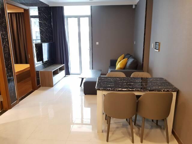 Classy and private 1br apartment near city center