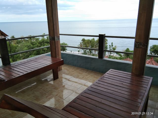 BUKIT INDAH HOMESTAY #6 (full sea views with AC)