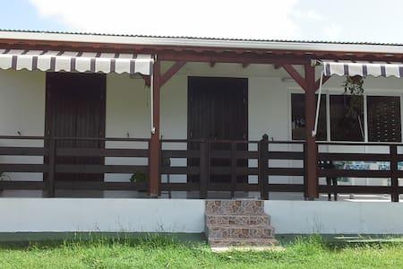 Bungalow agréable et confortable - Cabana