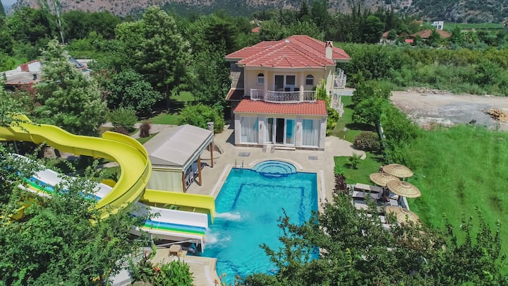 """Villa ZeZe"" in Dalyan with waterslides"