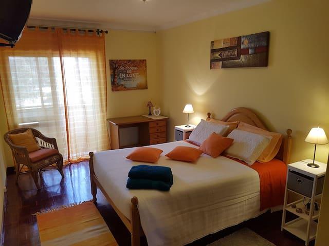 Modern Cozy Room, Free Parking - Faro - Apartment