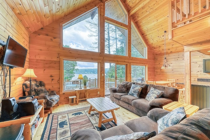 Spacious chalet with tons of room, shared beach & dock