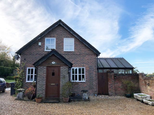 Tenacre Cottage, Owslebury, Winchester