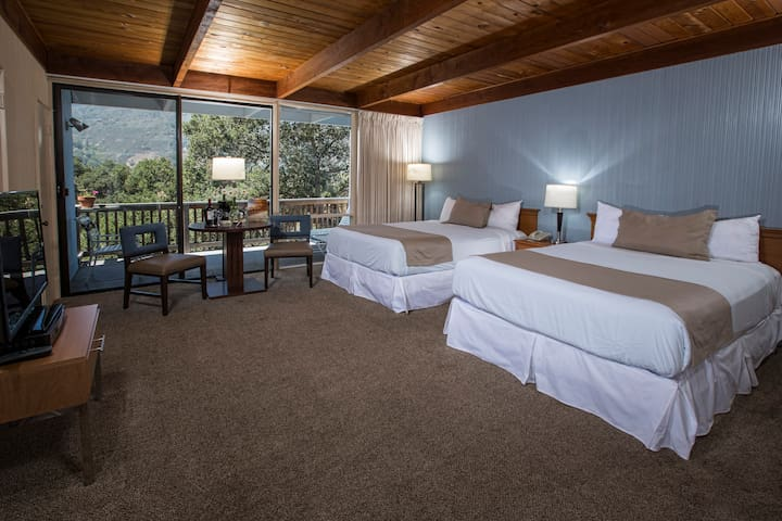 Blue Sky Lodge - Carmel Valley Two Queen Room​