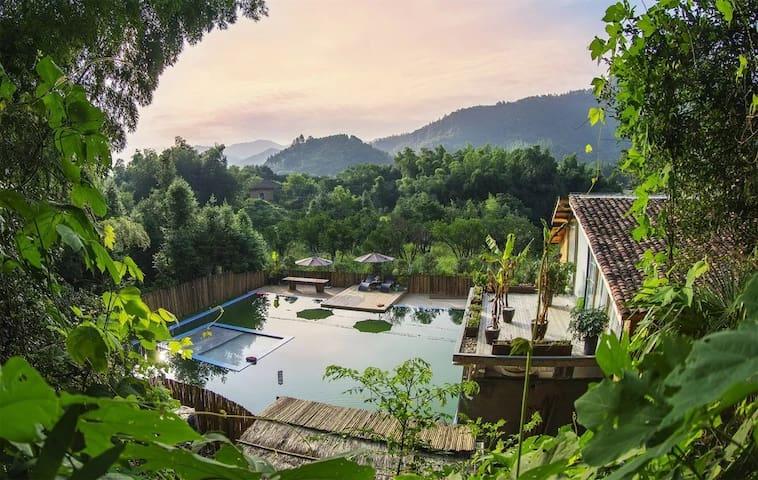 雲湖仙境贰号楼(带泳池)