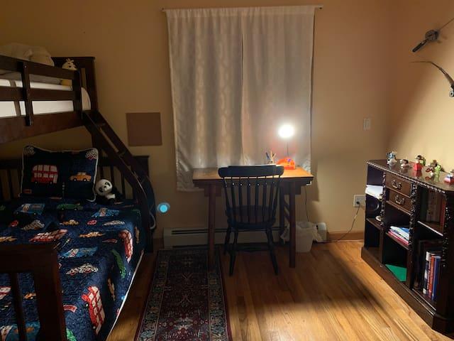 Bedroom 3/Children's Room