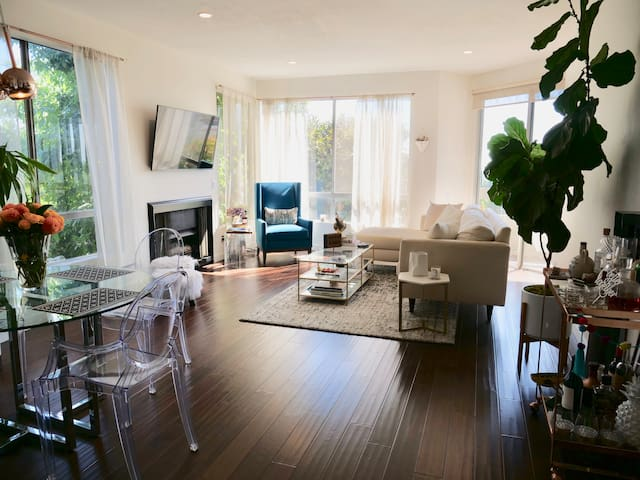 Bright, Beautiful & Modern Home in West Hollywood