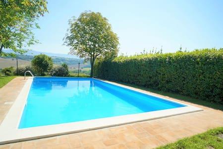 Villa con piscina a Todi - Umbria