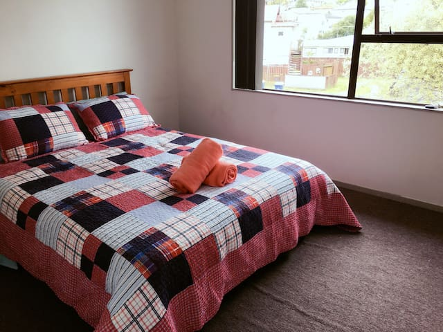 Warm cosy house Room 2 - Auckland - Hus