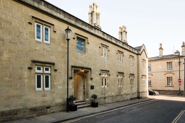 St Catherine's Hospital - Standard King Apartment