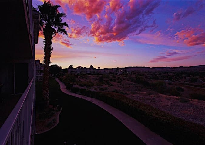 Sunset Point - 3 Br 2 Ba sleeps 10 with views of the red rocks