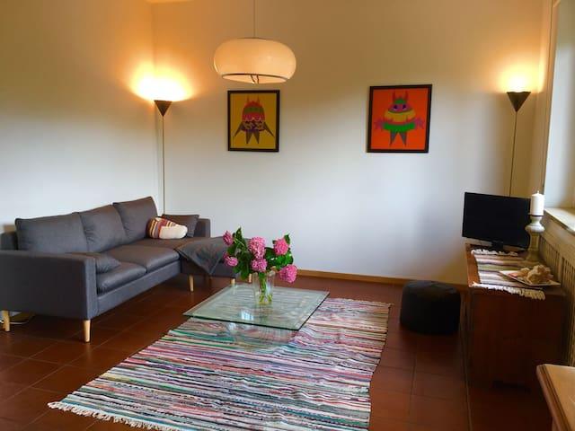 """""""Nel Viale"""" Bright apartment"""