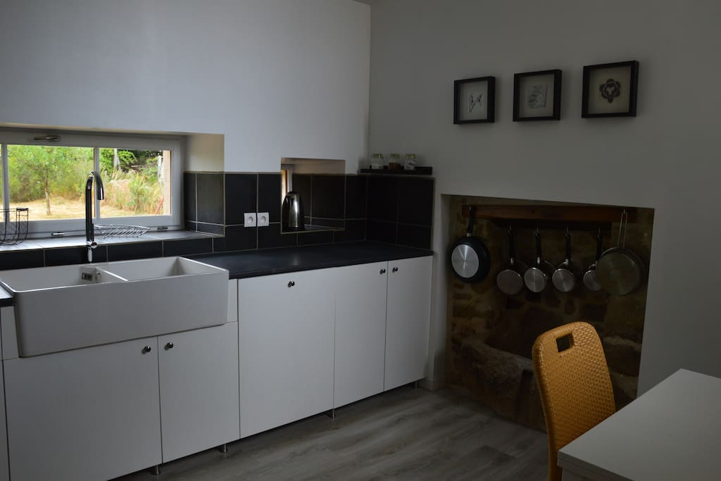 Brand new kitchen with dishwasher, cooker, fridge and freezer.
