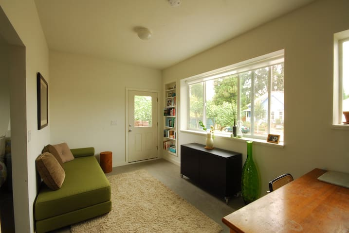 Eco-gorgeous apartment in North Portland
