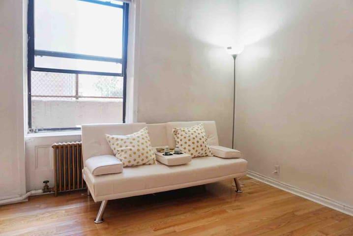 Manhattan cozy apartment w 2 bedrooms near Train 6