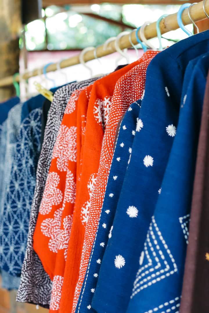 Shopping at Fahmai Handloom