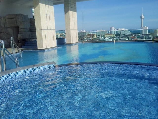 Studio in Luxury Cosy Beach View Pattaya