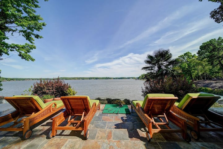 Breathtaking View on Lake Wylie! 4BR Lakehouse/Dock