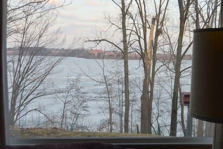 jj lakesid   Lake wiscon  min 2 ngt