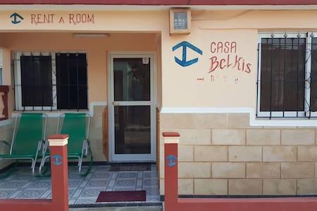 "Beach House ""Casa Belkis"" - Wifi access"