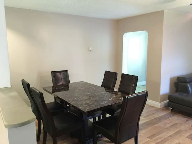 YEAR ROUND cottage lifestyle close to Canal River - Beaverton - Bungaló