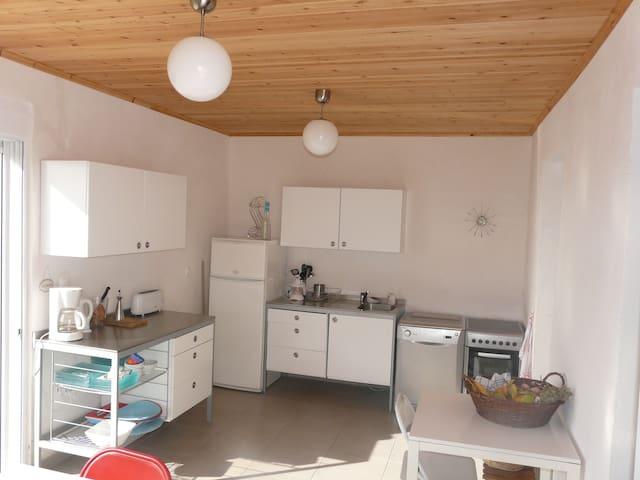 maison avec terrasse avec vue mer ionienne - Kyparissia - Huis