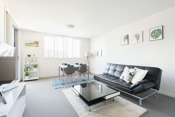 Modern Clean Inner West Apartment